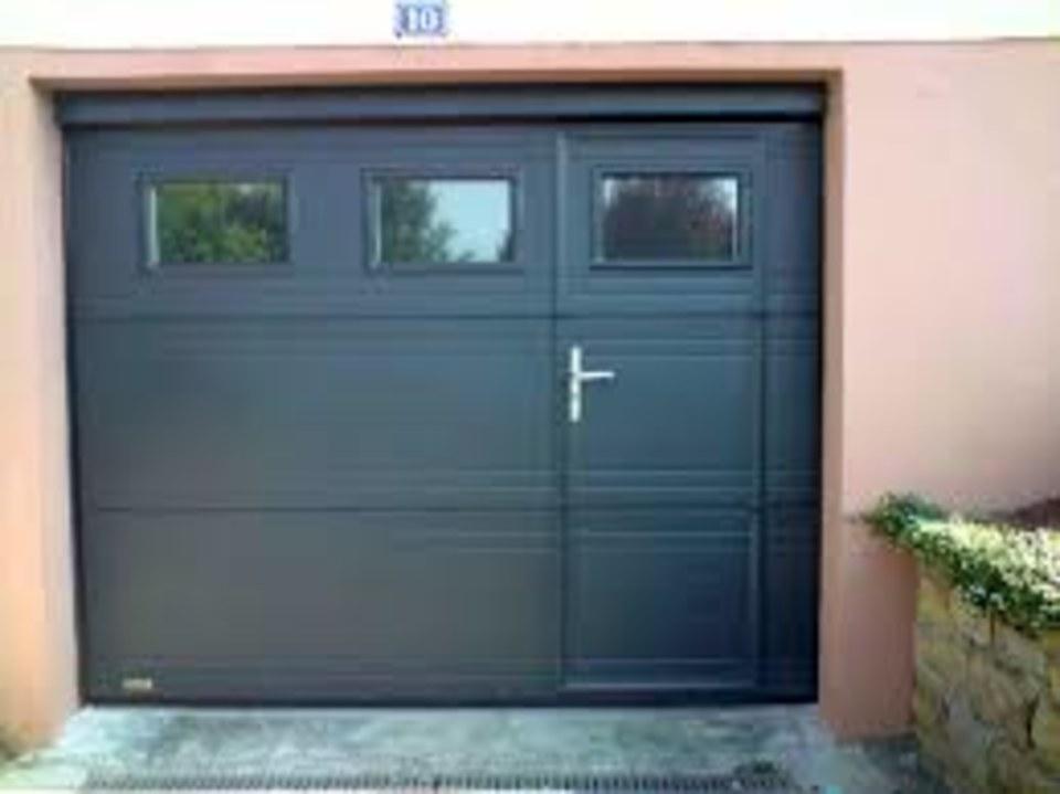 vente, installation et dépannage de porte de garage avec porte de service encast